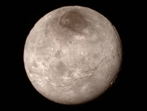 son satelite Charon - © www.nasa.gov